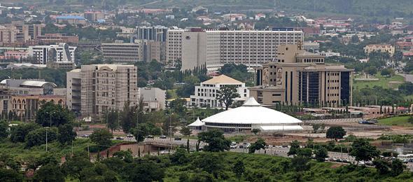 Burundi shuts down international broadcasters before referendum